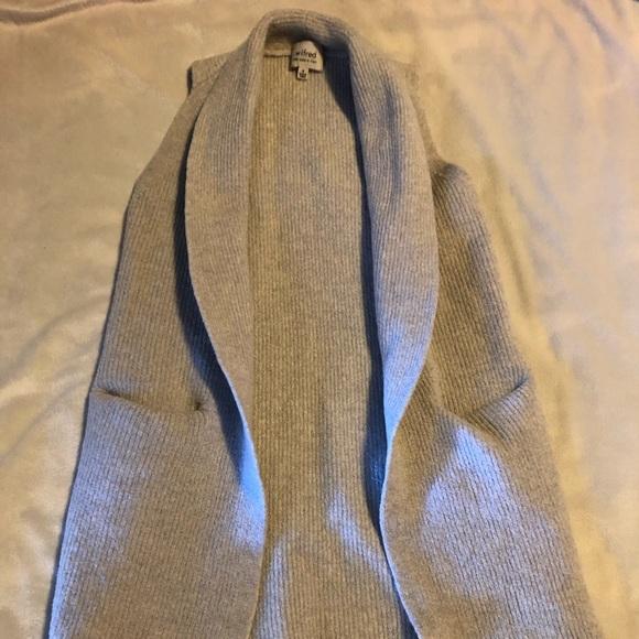 Wilfred Aritzia 100% Wool Sleeveless Cardigan